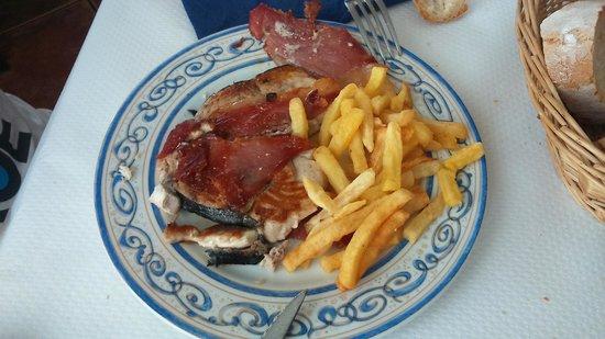 Restaurante El Pradillo: bonito a la plancha con jamón