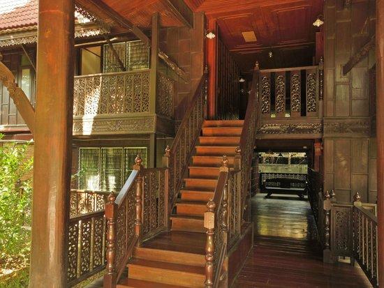 Baan Thai Resort: stairs