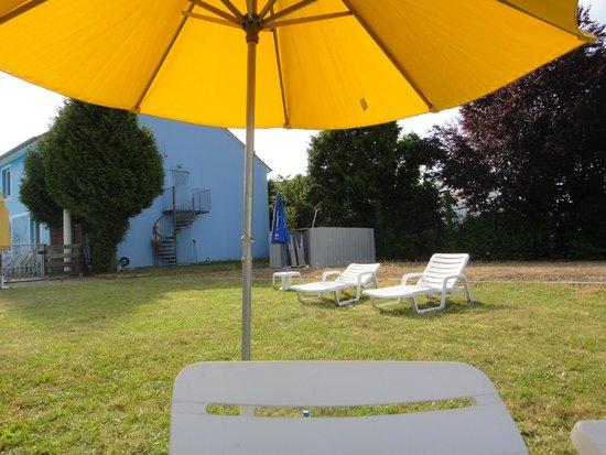 Hotel Restaurant Argos : jardin dépôtoir