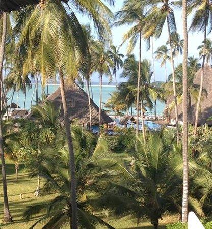 Ocean Paradise Resort & Spa: vue depuis le lobby