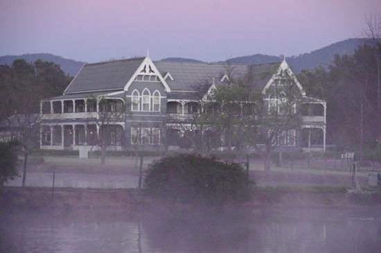 The Convent Hunter Valley: Peppers Convent seen through the early morning mist