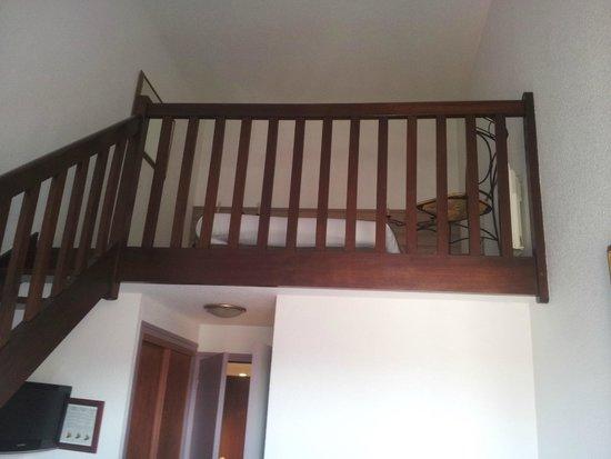 La Cremaillere: chambre en mezzanine
