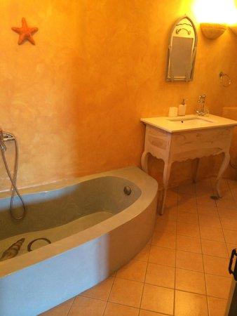 Aegean Castle : bathroom