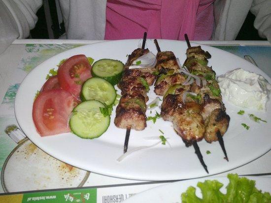 Matrix Grill House: Gli spiedini di Shish Kebab. Boni!!!!