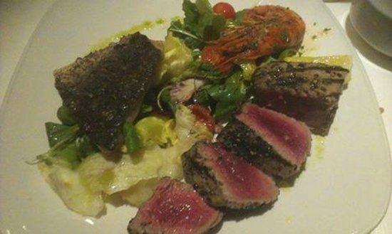 Venus Restaurant : Main Course - Local Prawn, Tuna and Gurbell.