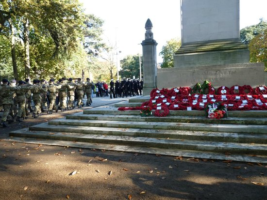 Watts Park: Watts Hymn sung at The Cenotaph in the park