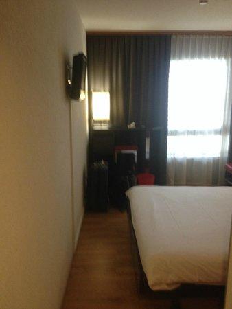 Nash Airport Hotel : Bedroom