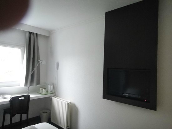 Campanile Luxembourg Airport: Chambre n° 305
