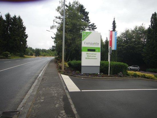 Campanile Luxembourg Airport: Accès et entrée de l'hôtel