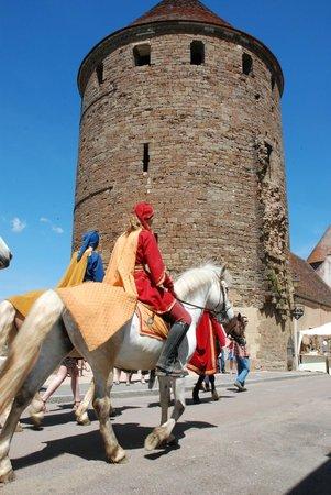 Office de Tourisme Semur en Auxois : tour du donjon
