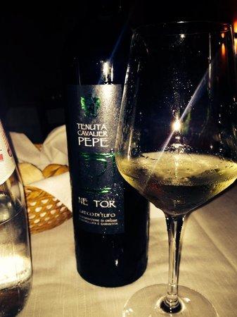 """Etoile Restaurant: Non sono un amante del vino...però questo """"scendeva con molto piacere"""""""