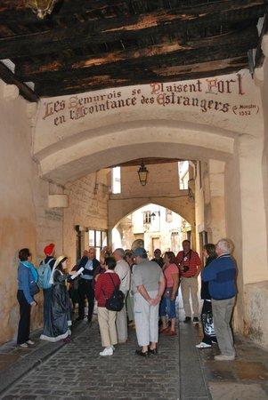 Office de Tourisme Semur en Auxois : visite guidée de la cité médiévale et notre belle devise Semuroise