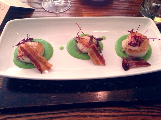 The Rowbarge: Scallop starter