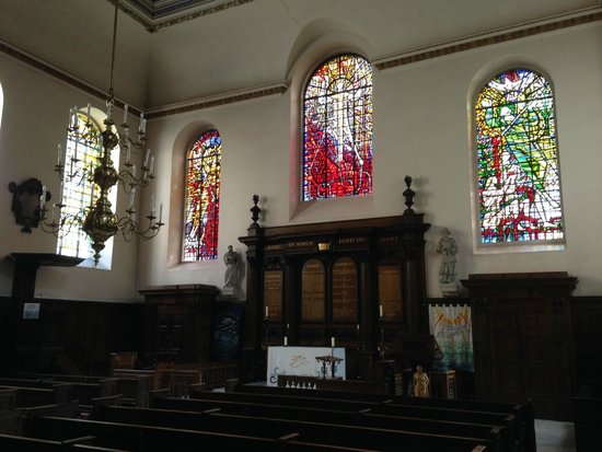 St. Michael Paternoster Royal: The Interior