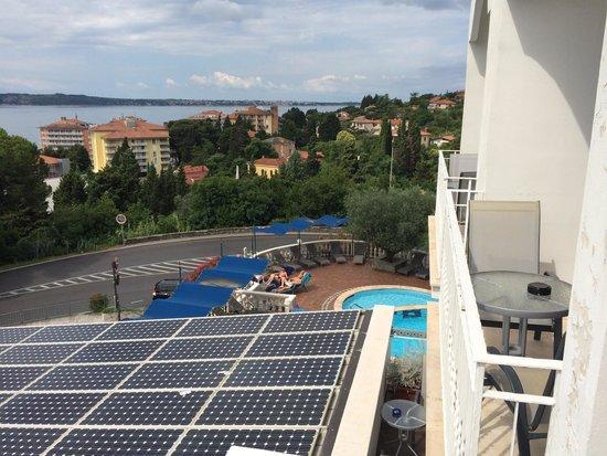 Hotel Tomi: Swiiming pool