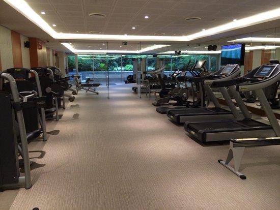 EPIC SANA Lisboa Hotel: Gymmet