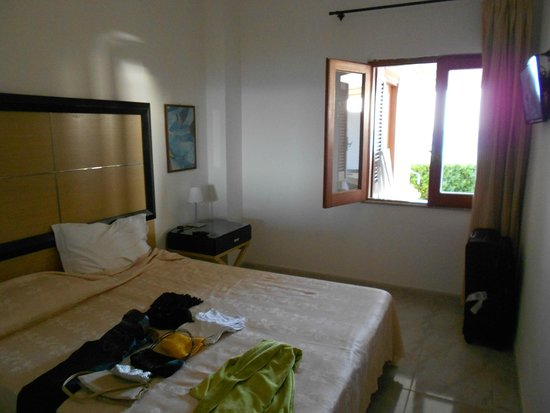 Hotel Scoglio della Galea: Familienzimmer das einzige Fenster