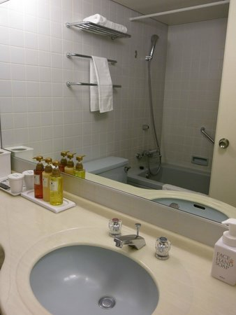 Dormy Inn Express Hakodate Goryoukaku : Bathroom, room 601