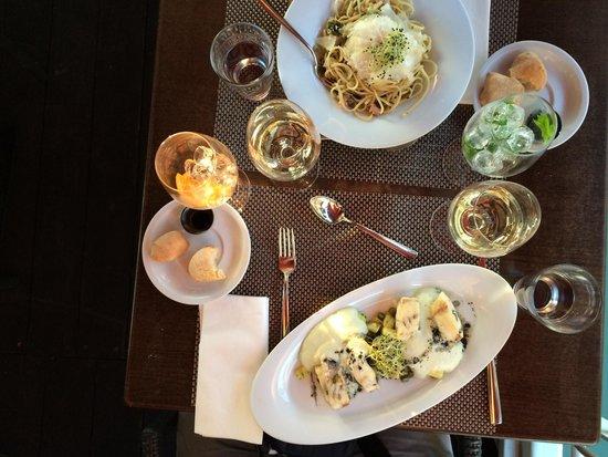 Spoon Cafe & Lounge : Pike-perch and tuna linguine
