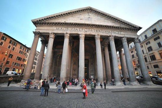 Pantheon esterno foto di piazza della rotonda roma for Esterno pantheon