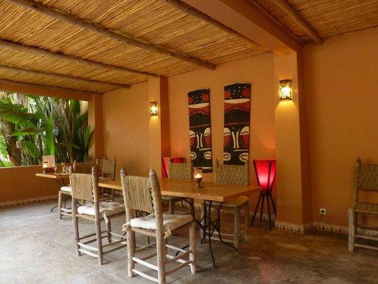 Riad Dar Maktoub : La salle à manger d'été
