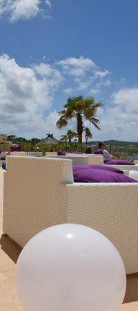 Nereida Aparthotel: POOL SIDE