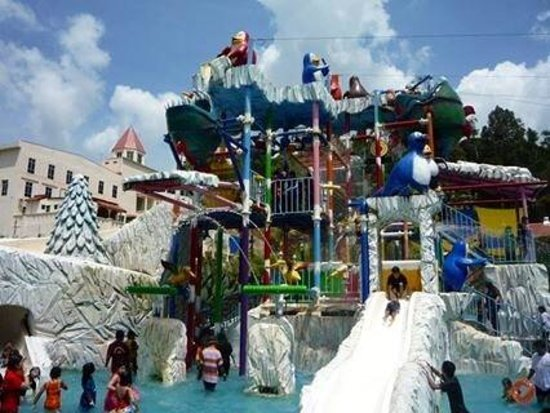 Bukit Gambang Resort City- Water Park: Suitable for kids