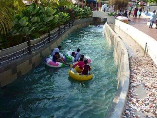 Bukit Gambang Resort City- Water Park: Have fun