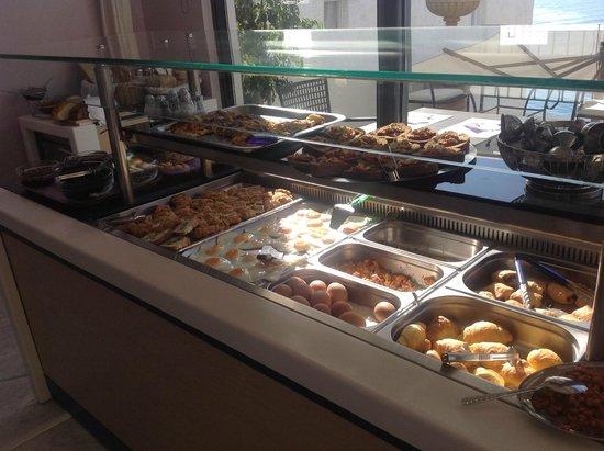 Palazzo Greco: lekker rustig ontbijten met elke morgen een kretense specialiteit