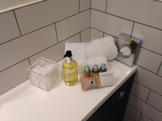 Florence House Hotel and Restaurant: The lovely toiletries in the bathroom!