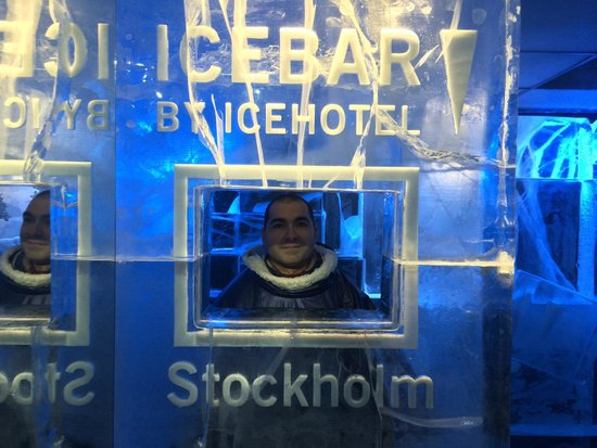 ICEBAR by ICEHOTEL Stockholm : Ice pic!