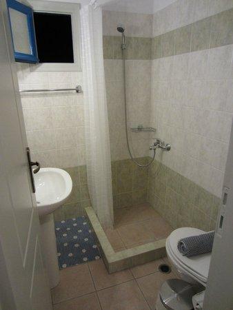 Amaranto Rooms : Bathroom