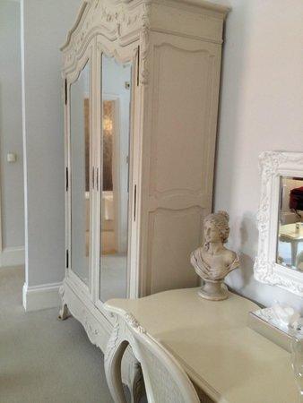 La Haule Manor: Berdroom