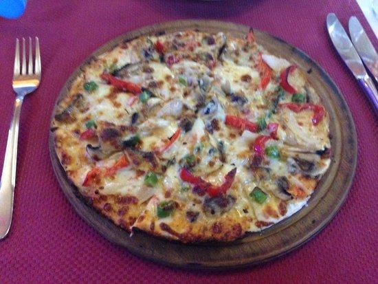 Barbella Restaurant: Gluten free Mexicano pizza. Delicious!!