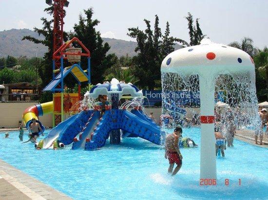 Μοντέρνα....... - Picture of Limnoupolis Water Park ...