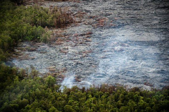 Blue Hawaiian Helicopters - Hilo: Waldbrand und Lavafeuer