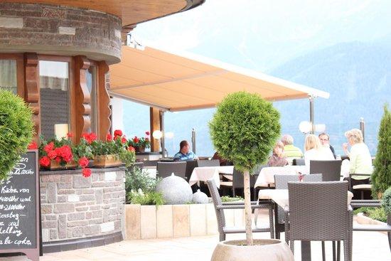 Hotel Montana: Terrasse
