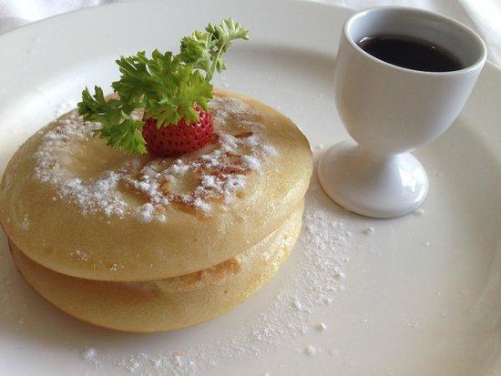 Pradha Villas: pancakes for breakfast