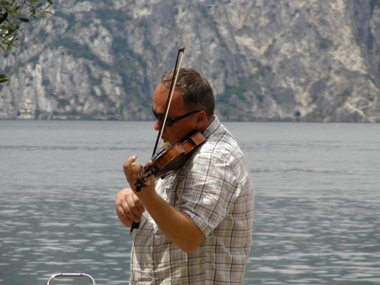 Ristorante La Pace : vue du lac et, avec un peu de chance, un air de violon!