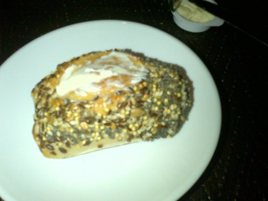 Novotel Dakar: bread coated with seeds
