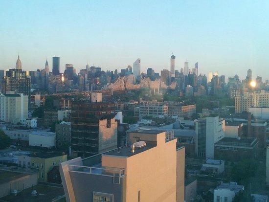 Holiday Inn L.I. City - Manhattan View: Manhattan view