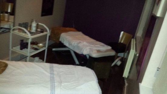 Daresbury Park Hotel: Treatment room