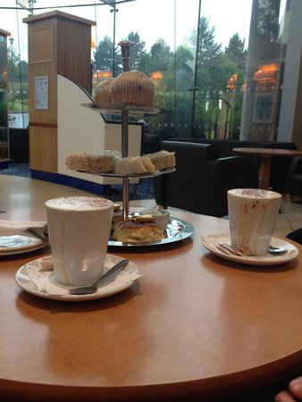 Daresbury Park Hotel: Afternoon tea