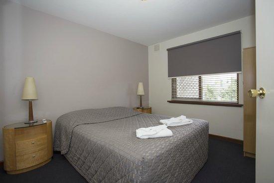 Burswood Lodge Motel Apartments: Standard One Bedroom Apartment - bedroom