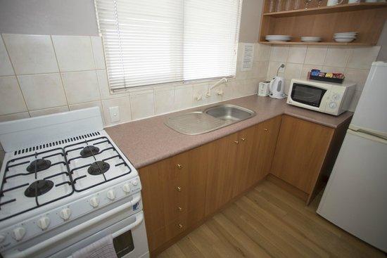 Burswood Lodge Motel Apartments: Standard One Bedroom Apartment - kitchen