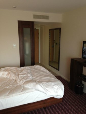 Hampton by Hilton Exeter Airport : room 305