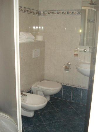 Hotel Tyl: bagno con doccia