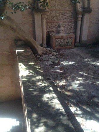 Pueblo Espanol: Deterioro
