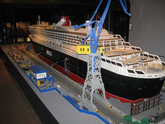 International Maritime Museum: Lego Queen Mary