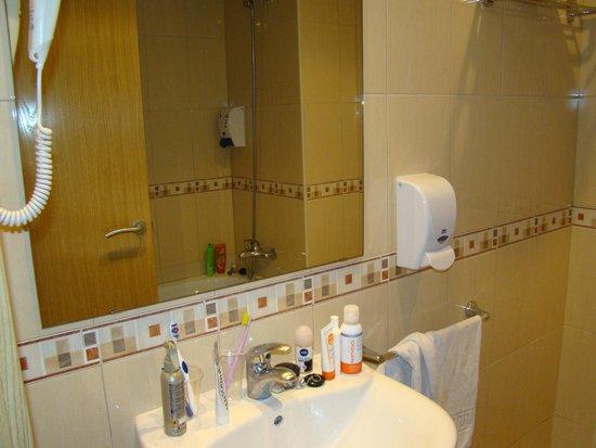 Hotel MoreMar: Ванная комната